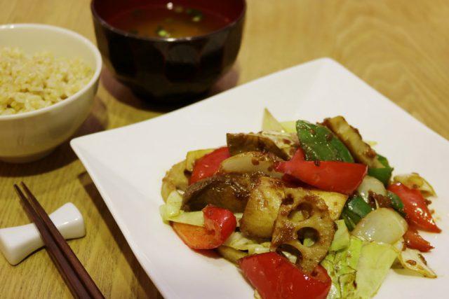 有機野菜の麹炒め 1,404円(税込)