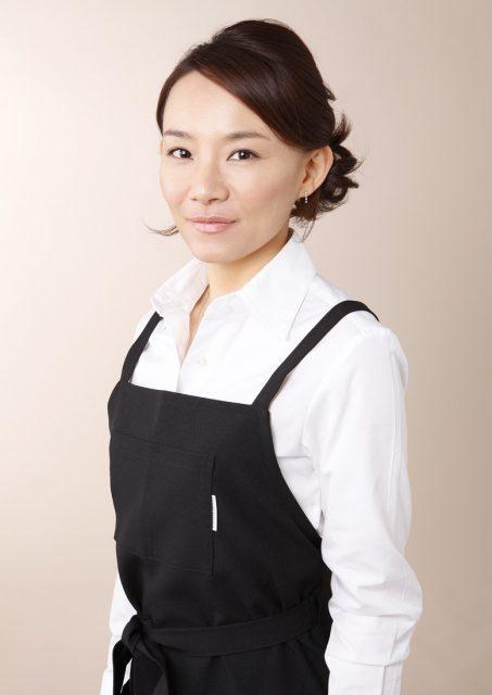 しょうゆ麹のレシピを日本で初めて公開した発酵料理研究家。日本人の体を健康に、そしてきれいにするには、「日本伝統文化の発酵食が一番良い」と料理研究を行い、レシピ開発、料理教室の他、発酵に関する商品開発を行っている。また、経営コンサルタントとして自治体特産品審査委員、観光連盟アドバイザーを歴任している。
