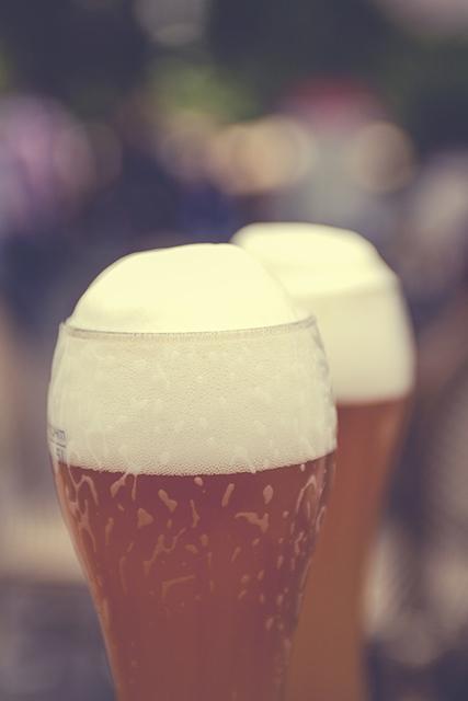 「地ビールの日選考委員会」が「地ビールの日」を制定