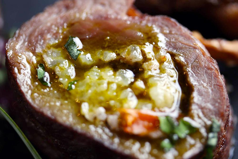 蝦夷鹿(エゾシカ)肉で巻いた鮒鮓(ふなずし)のリゾット