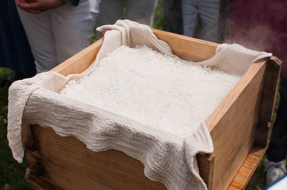 べちゃ米にならない、『ぬけがけ』というお米の蒸し方