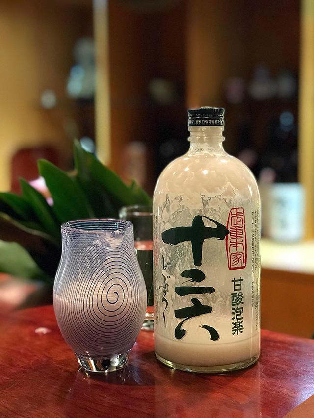 長野県佐久市の「武重本家酒造」による『十二六(どぶろく)』
