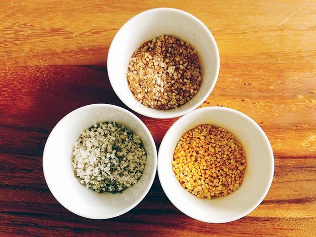 かけるだけの発酵粉末調味料レシピ│基本の塩麹フレークとカレーやハーブ、出汁風味の作り方
