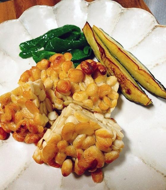 テンペのアレンジレシピ1:おかずやおつまみに最適「素揚げテンペ」