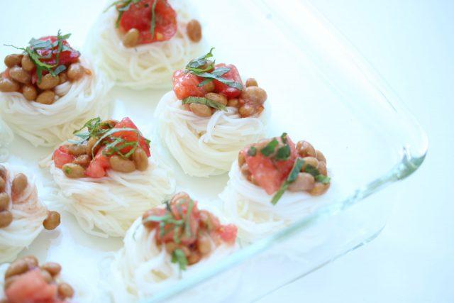 納豆とトマトがコラーゲンを作る!納豆の美肌な組み合わせはそうめんの納豆トマトぶっかけ