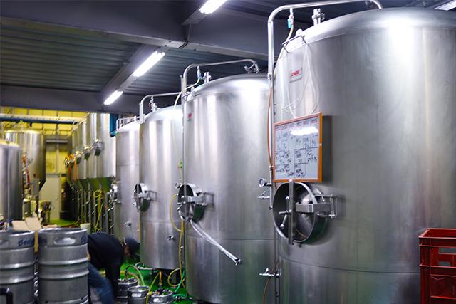 日本にクラフトビール革命を起こしたサンクトガーレンさん。もともとはアメリカに工場を持っていましたが、今では神奈川県厚木市にある工場でこだわりのクラフトビールを作っています。今回は、サンクトガーレンさんの工場にお邪魔して、「発酵」がビールのどこに関わっているのか確認してきました。