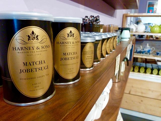 ソーホーに店を構える『Harney&Sons』は、品質の高いお茶が厳選された高級ティーショップ。ここでも抹茶は扱われており、店内には特別コーナーまで設けられるほど人気だ。