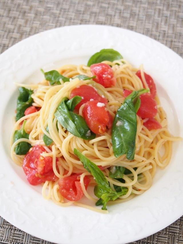 塩麹トマトとバジルの冷製パスタ