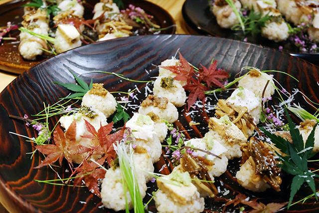 発酵するカフェ 麹中 -Kojichu-