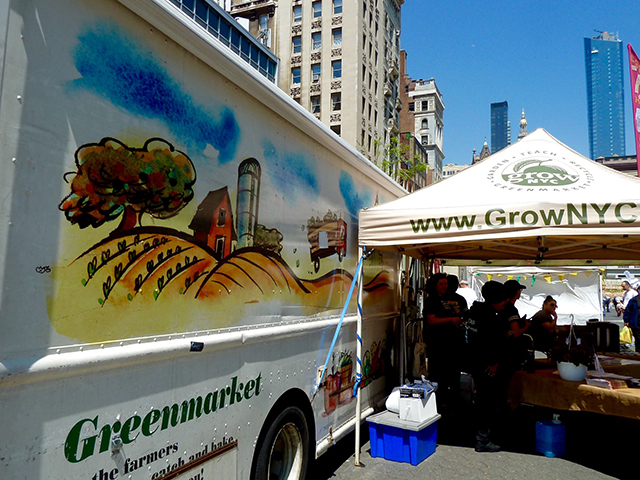 ニューヨークはマンハッタン、14丁目のストリートで開催されたグリーンマーケット