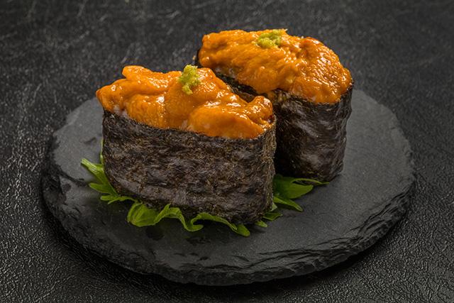 うにの軍艦巻き Japanese gourmet genuine finger sushi