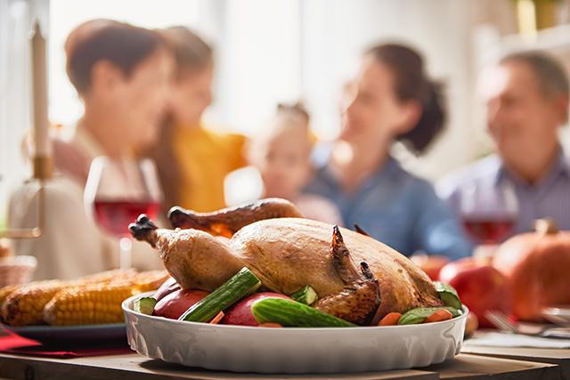 感謝祭からクリスマスの時期、アメリカで一番食べられる家庭料理「ターキー」