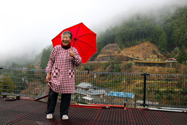 徳島の傍示・蔭井谷(ほうじ かげいだに)地区で阿波晩茶農家を営む山田喜美子(79)さん