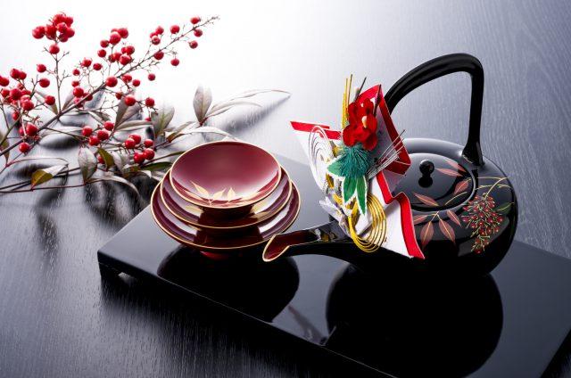 酒器,お正月,お屠蘇,おとそ:お屠蘇(とそ)は立派な発酵飲料!お正月に飲む理由と飲み方・作り方:発酵ライフを楽しむ haccola(ハッコラ)