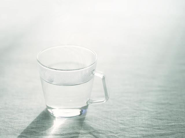 外食時には、お冷やよりもお白湯を