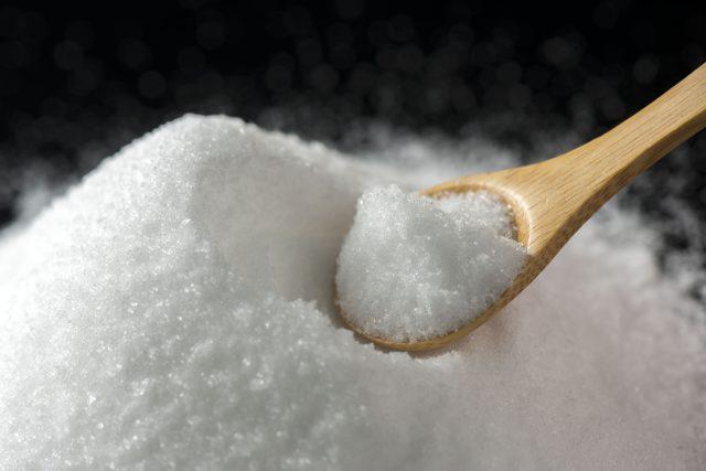 """""""減塩""""をアピールする商品がたくさん販売され、塩分の取り過ぎが問題視されています。しかし、塩は人間に必要不可欠なものであり、栄養面でも、食事の美味しさを引き立たせるためにも、大切な調味料なのです。"""