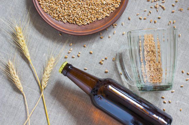 クラフトビールとは、職人さんが醸造する、大量生産では作り得ないこだわりのビールのこと。クラフトビールにはさまざまな味や香りがあり、その数は数百もあると言われています。