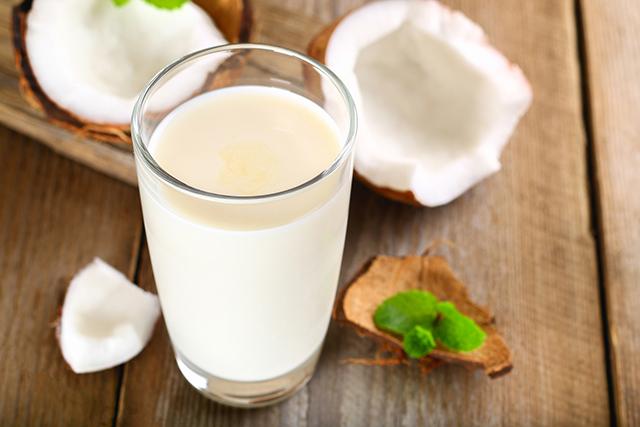 市販のヨーグルト種菌を使って作るココナッツミルクヨーグルト