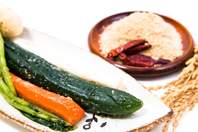 ぬか漬け野菜と鷹の爪