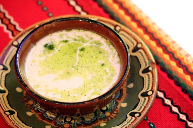 簡単に作れるヨーグルトの冷製スープ「タラトル」