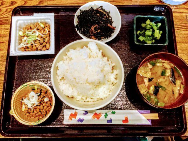 the Natto Tabehoudai Teishoku (All-You-Can-Eat Set)