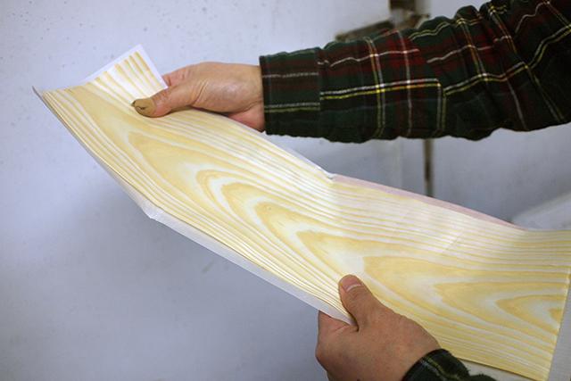 「経木(きょうぎ)」や「ろう引き紙」を使って納豆を作り