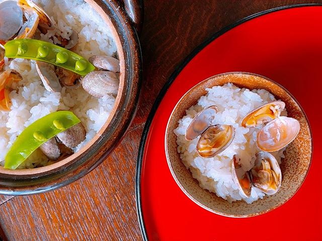 「ネギ塩麹」のアレンジレシピ「あさりとネギ塩麴炊き込みご飯」の作り方