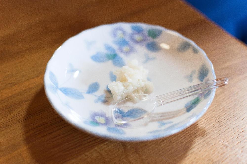 『こぼれ梅』とも呼ばれる、搾った後の「みりん粕」