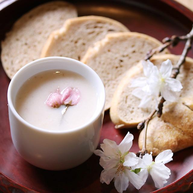 【清明】桜甘酒と酒粕パン:発酵ワクワク大使の二十四節季レシピ