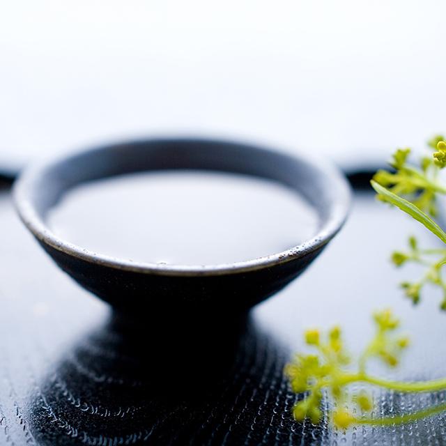 「愛酒の日」に考える日本酒の国際的普及。ワインの国フランスで実施される、学生が開発した日本酒のテストマーケティング