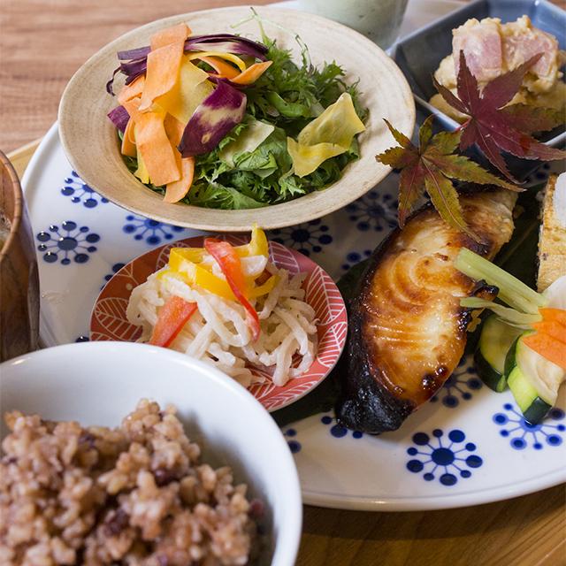 おいしく気分もほっこりする、発酵食堂『東京850 PIT』