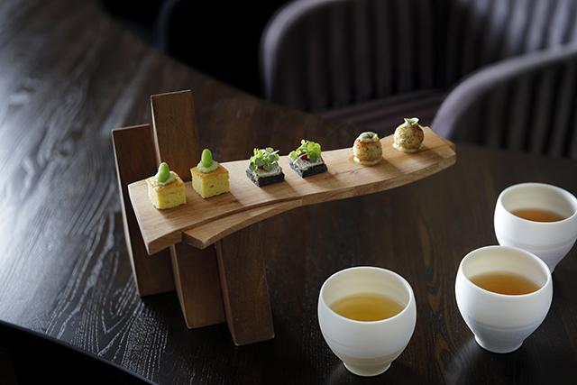「近江発酵茶サロン」で、発酵度合いによる味の違いを試す