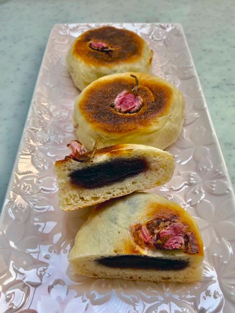 フライパンで作る、簡単で焼き立てが楽しめるあんぱんレシピ