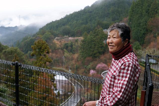 「お茶作りもいつまでできるかわからないけど、お客さんが待ってるからね(山田さん)」