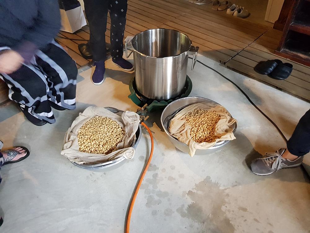 蒸し大豆専用の圧力窯