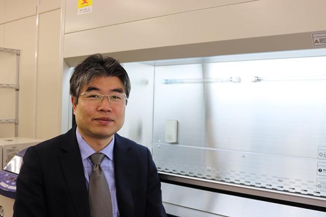 東京農業大学生命科学部/分子微生物学科長の内野昌孝教授