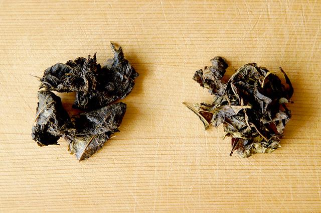 石鎚黒茶(左)、阿波晩茶(右)