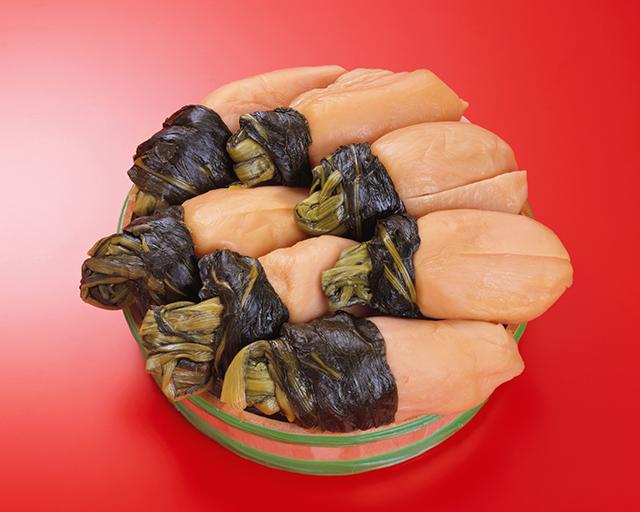 京都特産の、酸味のあるカブの乳酸発酵漬物「すぐき」