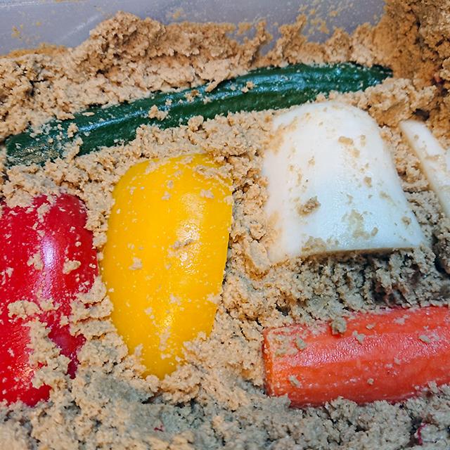 失敗しないぬか床の作り方や足しぬかの方法、ぬか漬けアレンジレシピ│五つ星お米マイスターのやさしい米ぬか講座 vol.5