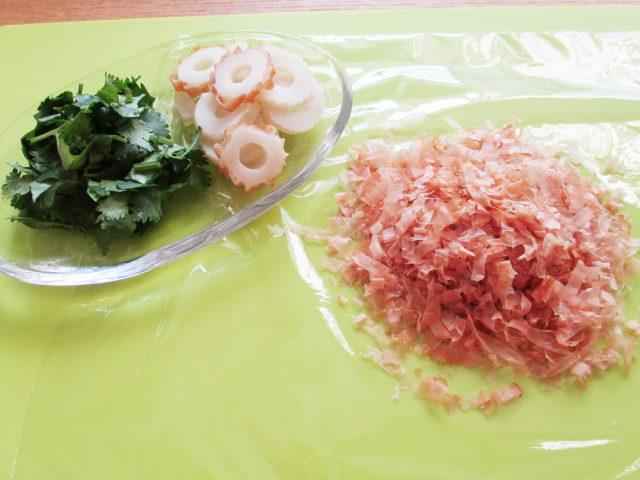 かつおぶし_ちくわ_香菜_味噌玉_おくすり味噌汁114:haccola 発酵ライフを楽しむ「ハッコラ」